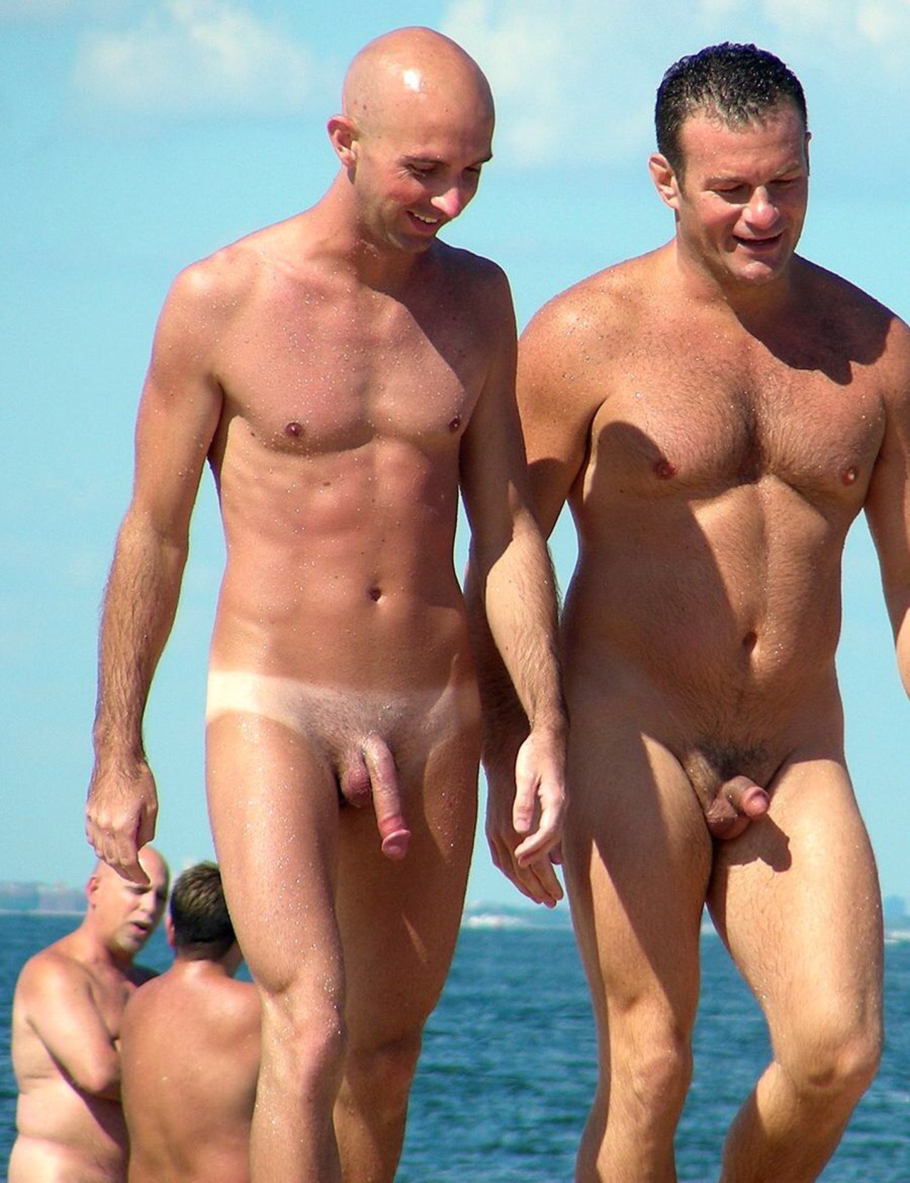 Male nude couples