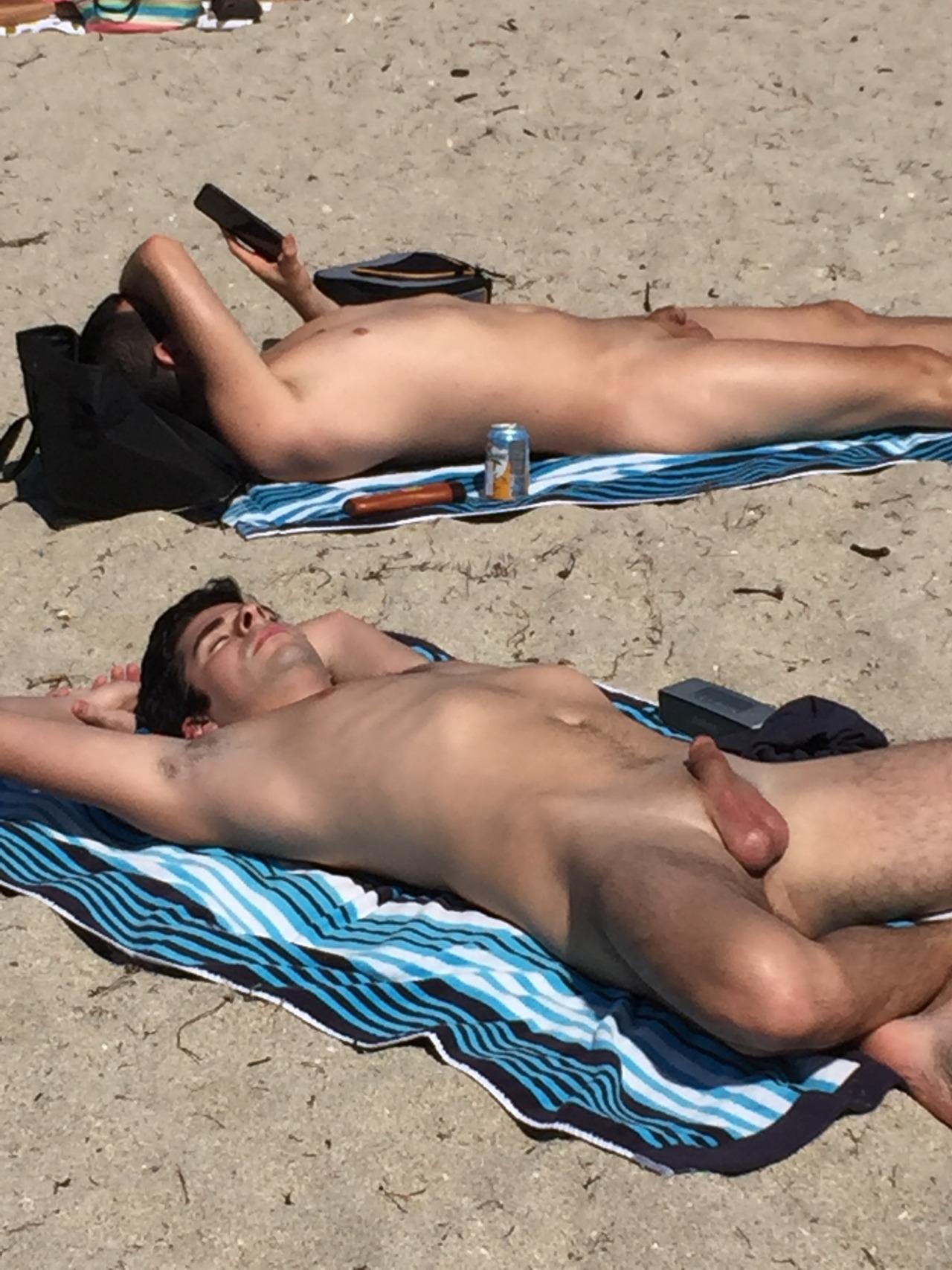 nude beach spycamdude