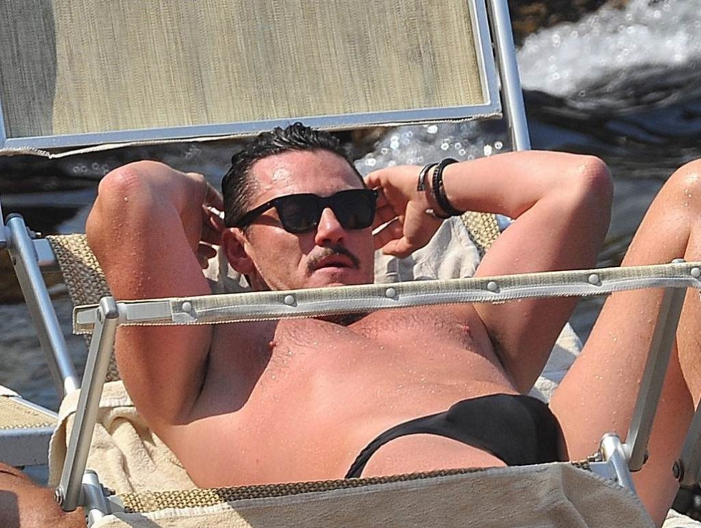Luke Evans bulge