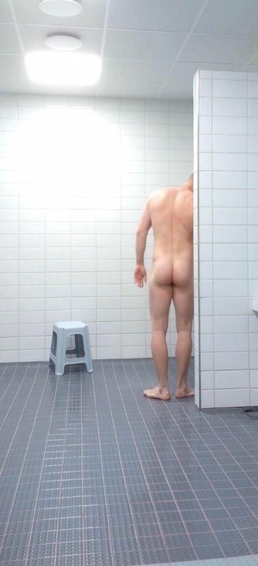 big muscle ass jock in the shower