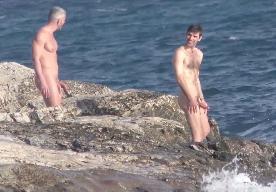 horny guys at the beach
